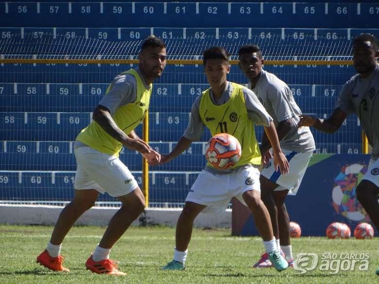 ブラジルサッカー留学中の壮一と勝